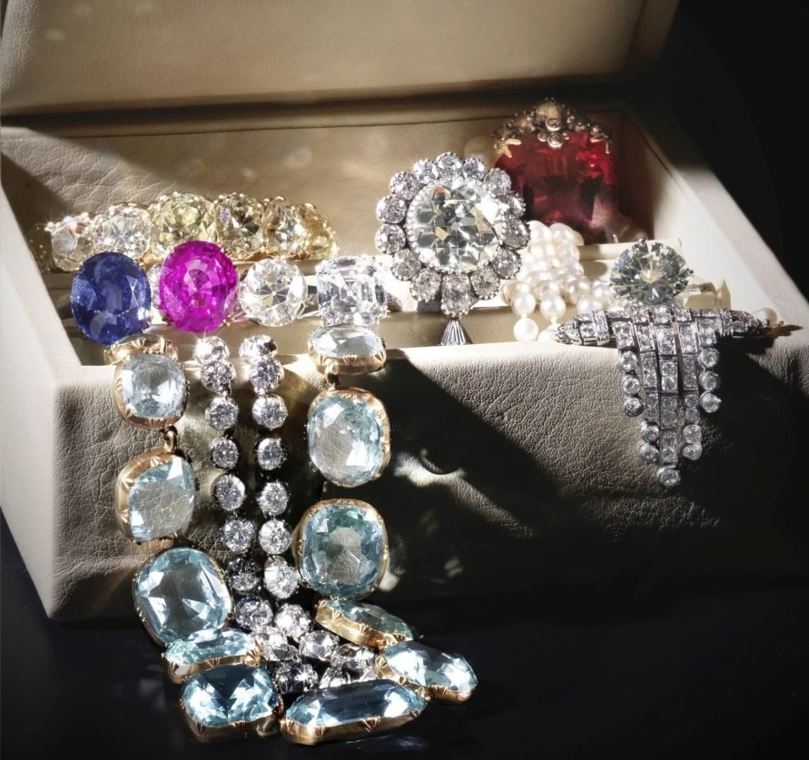 «Горячая» десятка: Bonhams представляет ювелирные украшения, которые могут вызвать особый интерес на торгах