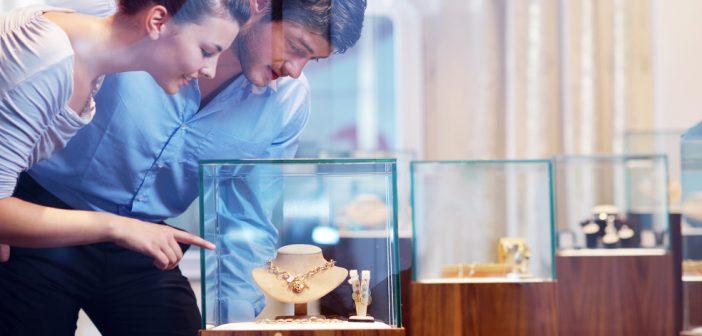 На какие факторы стоит обращать внимание при покупке бриллианта?