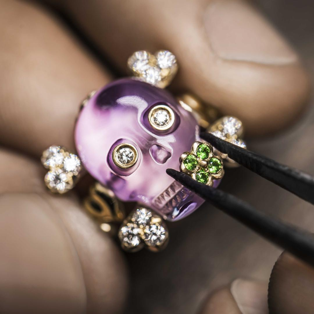 Dior Tete de Mort: дружелюбные украшения с черепами