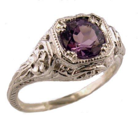 Страсть коллекционеров - старинные серебряные кольца, золотые браслеты и фантастические сны