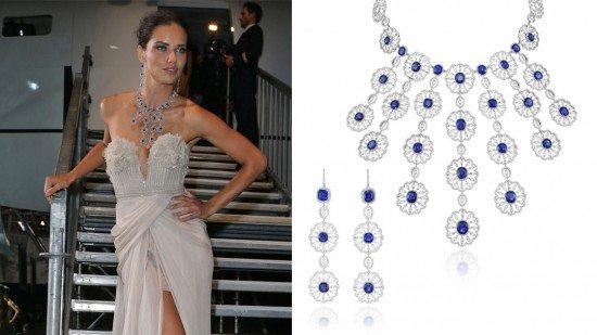 Свеликолепным бриллиантовым колье с сапфирами на шее и в платье без бретелек из коллекции «Весна 2011» от «Элли Сааб» модель Адриана Лима выглядела захватывающе