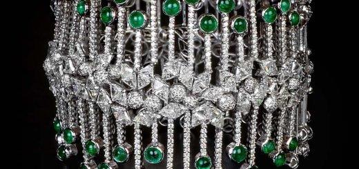 Коллекция MINAWALA Festival of Emeralds, браслет из белого золота с бриллиантами и изумрудами.