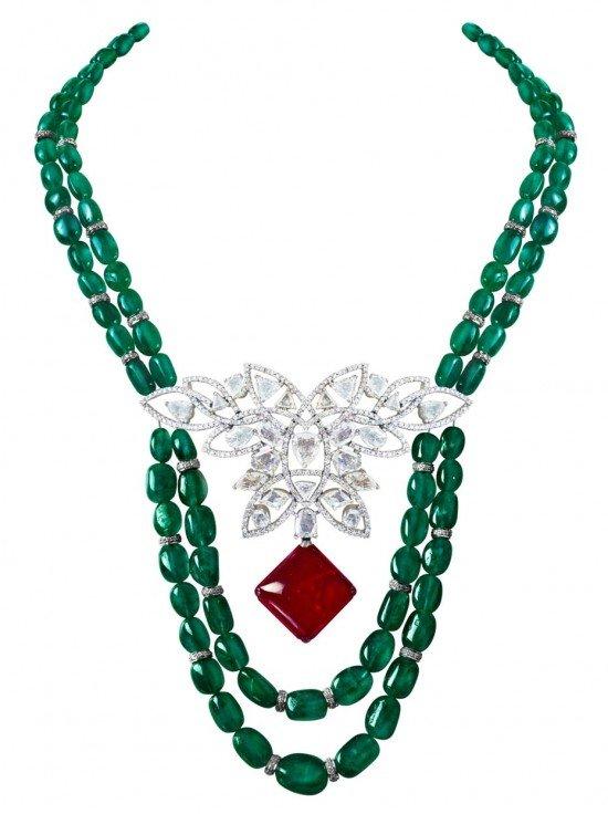 Коллекция MINAWALA Festival of Emeralds, ожерелье из белого золота с бриллиантами, изумрудами и рубином