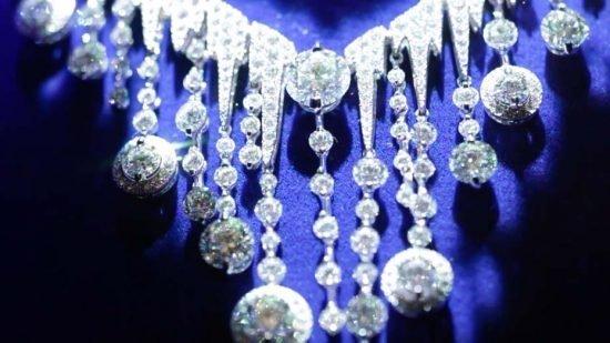 Бриллиантовое ожерелье Chaumet Frozen из новой коллекции Lumières d'Eau