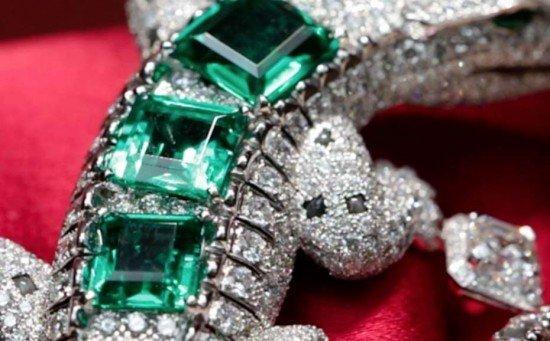 Брошь Alligator с бриллиантами и изумрудами из новой коллекции Royal от Cartier